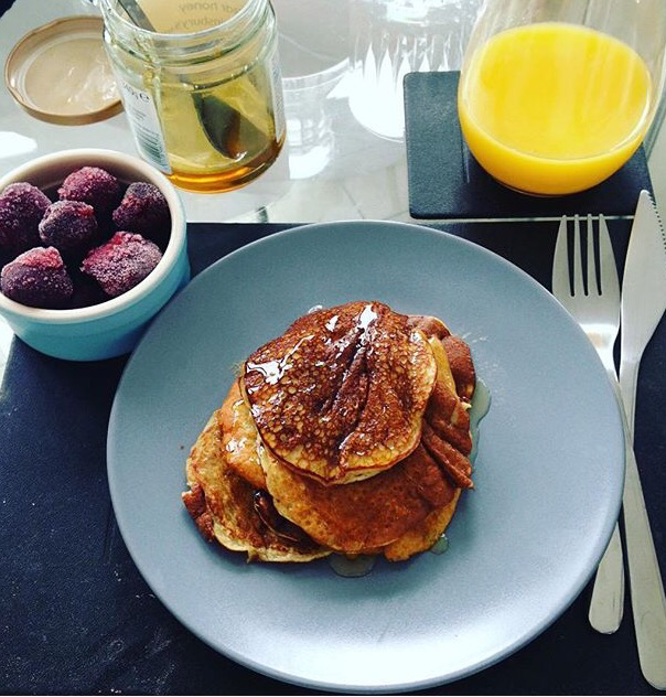 gluten free 2 ingredient banana pancakes