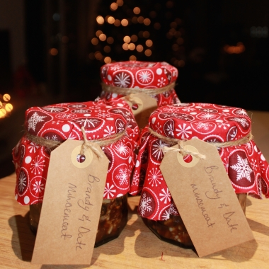 Vegetarian traditional date and brandy christmas mincemeat recipe
