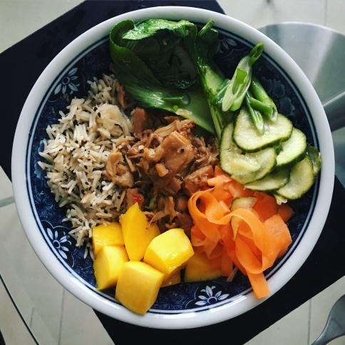 crispy shredded 'duck' jackfruit vegan buddha bowl vegetarian the jam jar food blog